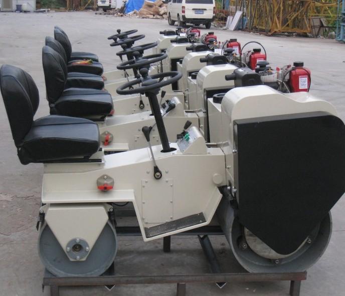 印度客户来访,并订购FYL-850座驾压路机