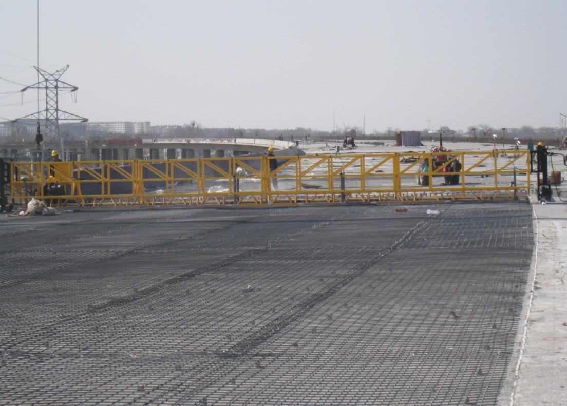 悬挂高频整平机被中铁二十几个局集团,中国路桥集团选购。